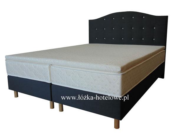 łóżko z wezgłowiem