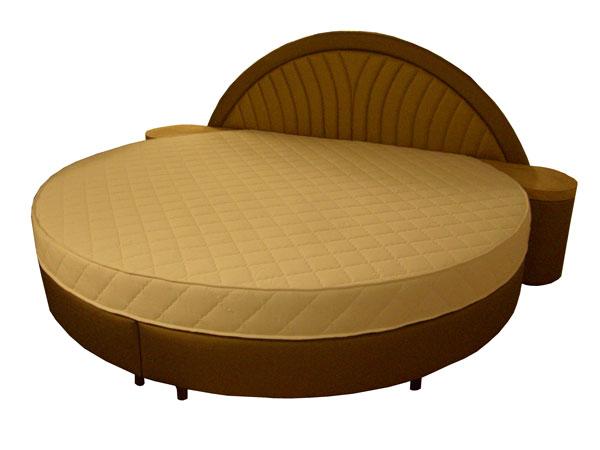 łóżko z materacem okrągłym