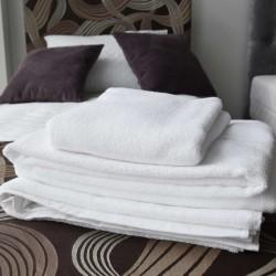 Białe ręczniki hotelowe | Comfort-Pur